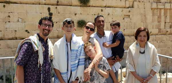משפחת נתן ממושב מכורה בבקעת הירדן